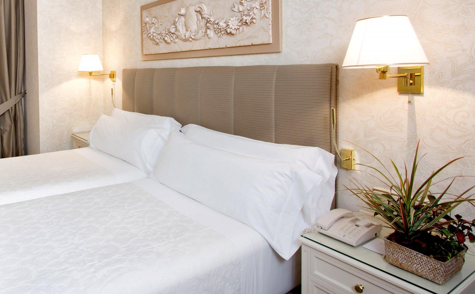 Luxury Hotel In Madrid Center 4 Star Hotel Atlantico Madrid
