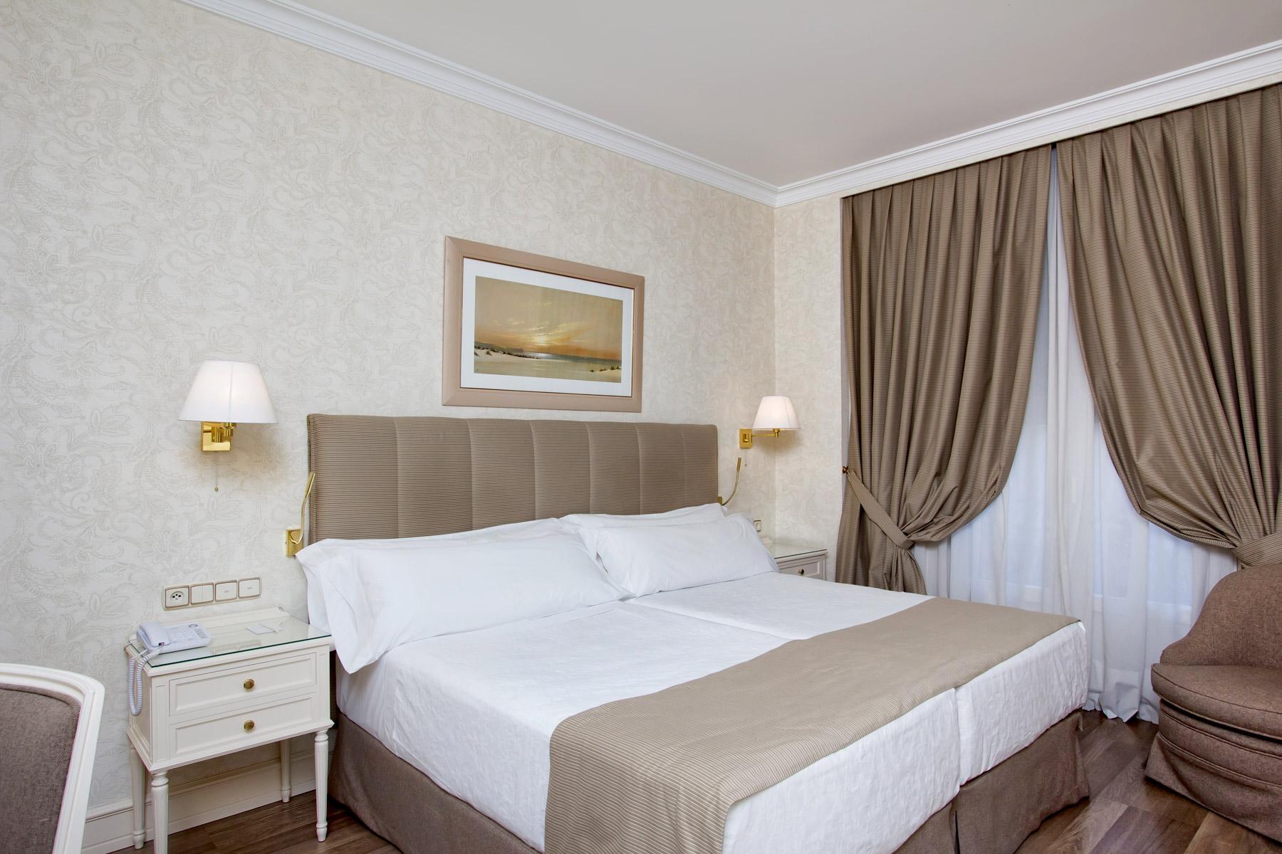 Habitaciones dobles superiores hotel atl ntico madrid for Hoteles con habitaciones dobles comunicadas