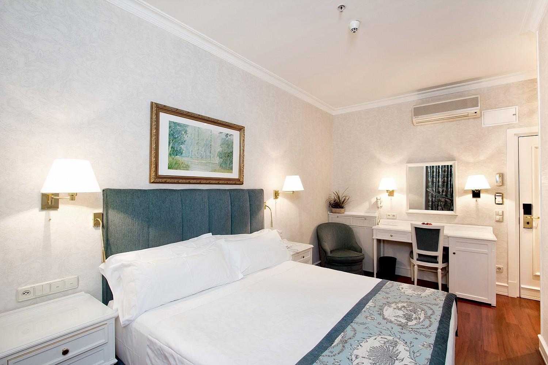 Atlantico Madrid Hotel Room